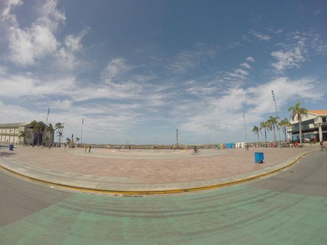 Principal cartão-postal da cidade, o Marco Zero é o ponto convergente do Bairro do Recife. A nossa dica é pedalar pelas ruas do Bom Jesus, Moeda e a Praça do Arsenal, assim como dar uma parada na área dos Armazéns do Porto.