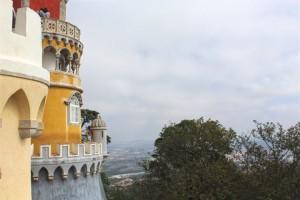 Ao fundo, a cidade de Sintra.