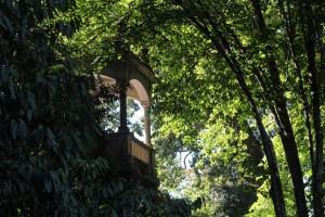 Detalhes dos jardins da Quinta da Regaleira.