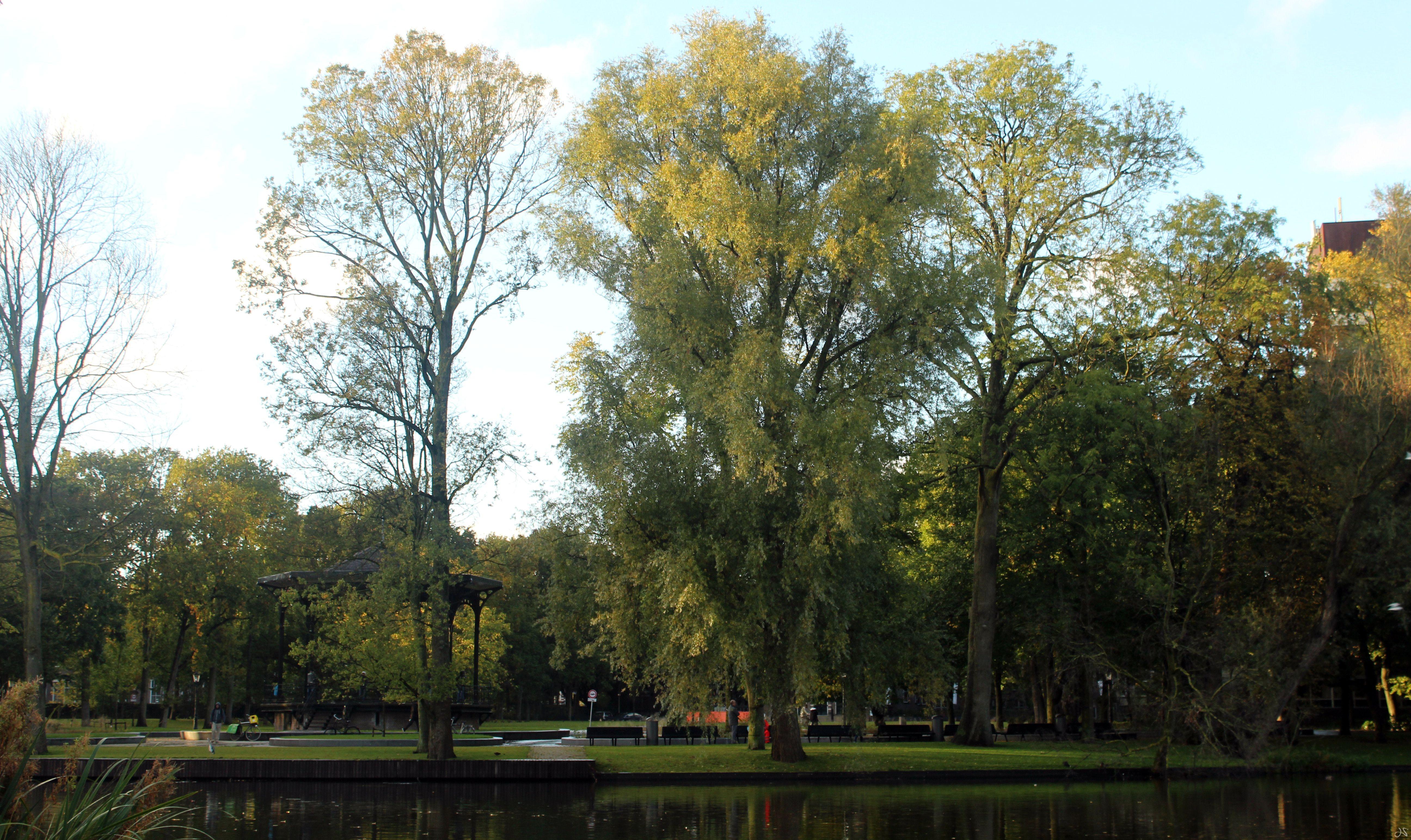 Oosterpark, onde fica instalado o Generator de Amsterdã.